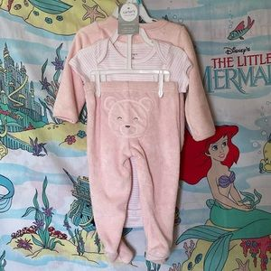 Carters teddy bear outfit, size 6 months.